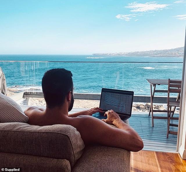 Công việc tuyệt vời nhất thế giới: Nhận 1,3 tỷ một năm để đi du lịch và chụp ảnh - 12