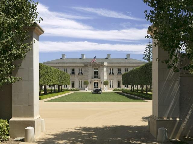 Bên trong siêu biệt thự đẹp hút hồn trị giá hơn 3,4 nghìn tỷ đồng - 2