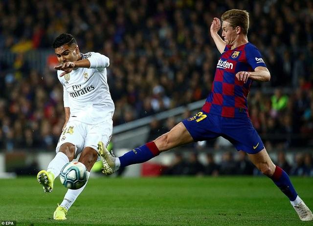 Barcelona và Real Madrid bất phân thắng bại ở Nou Camp - 7