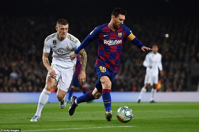 Barcelona và Real Madrid bất phân thắng bại ở Nou Camp - 12