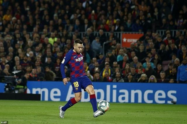 Barcelona và Real Madrid bất phân thắng bại ở Nou Camp - 13