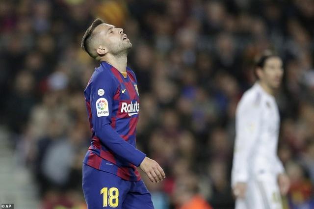 Barcelona và Real Madrid bất phân thắng bại ở Nou Camp - 14
