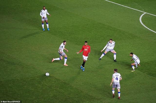 Rashford, Martial tỏa sáng đưa Man Utd vào bán kết League Cup - 3