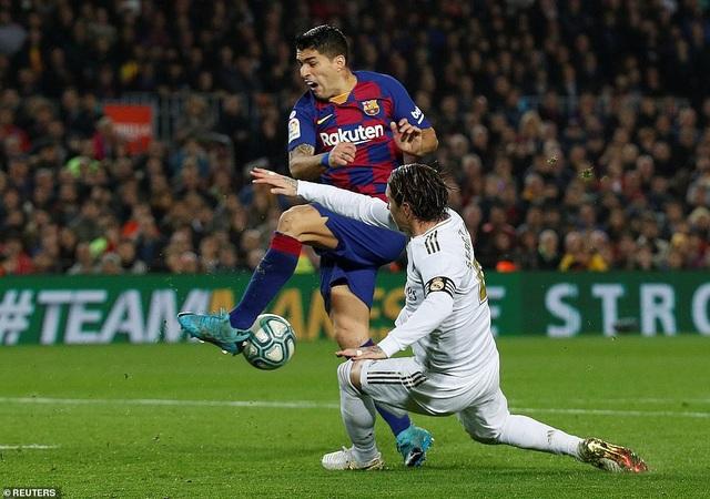 Barcelona và Real Madrid bất phân thắng bại ở Nou Camp - 9