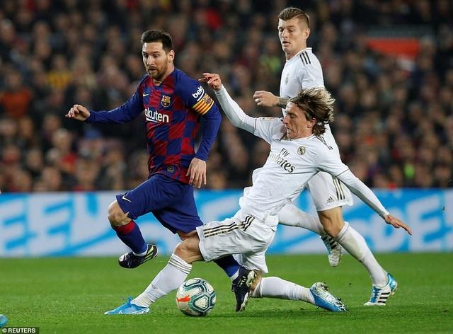 Barcelona và Real Madrid bất phân thắng bại ở Nou Camp - 4