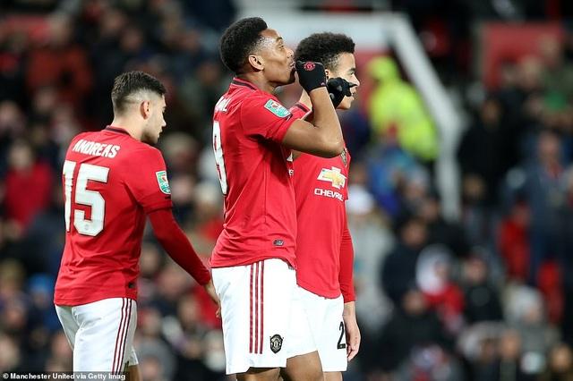 Rashford, Martial tỏa sáng đưa Man Utd vào bán kết League Cup - 2