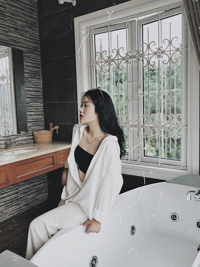 Bạn gái Đoàn Văn Hậu khoe vẻ đẹp quyến rũ mừng sinh nhật tuổi 21 - 9