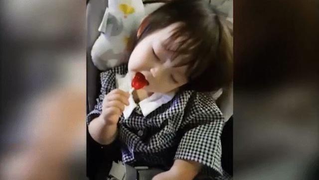 Bão like dành cho cô bé vừa ăn vừa ngủ đáng yêu như thiên thần - 1