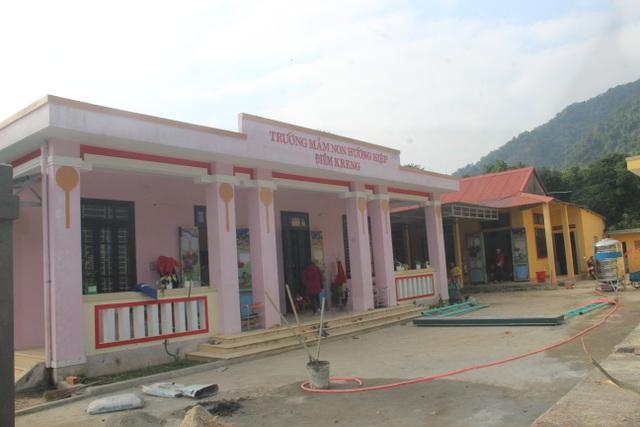 Cô giáo Vân Kiều tự nguyện hiến đất xây trường mầm non - 2