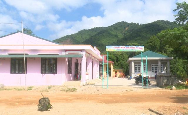 Cô giáo Vân Kiều tự nguyện hiến đất xây trường mầm non - 1