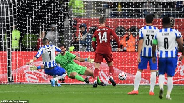Liverpool vào chung kết FIFA Club World Cup nhờ bàn thắng muộn của Firmino - 2