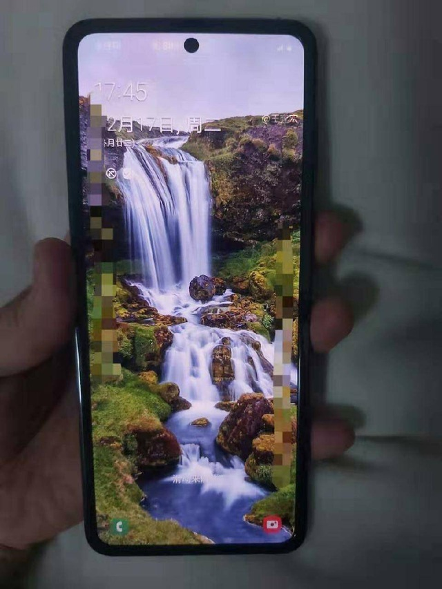 Lộ ảnh thực tế smartphone màn hình gập Galaxy Fold 2 của Samsung - 1