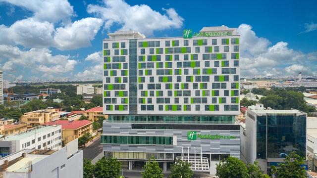 Khách sạn Holiday Inn And Suites đầu tiên tại Việt Nam đạt chứng nhận khách sạn 5 sao - 2