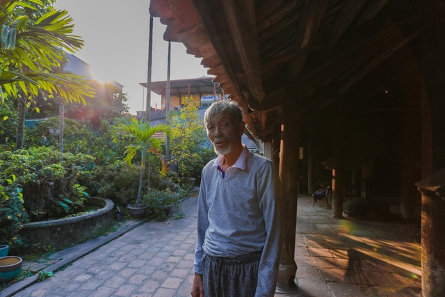 Độc nhất nhà cổ 300 tuổi làm từ gỗ lim, nằm giữa khu vườn xanh mát mắt ở Hà Nội - 4