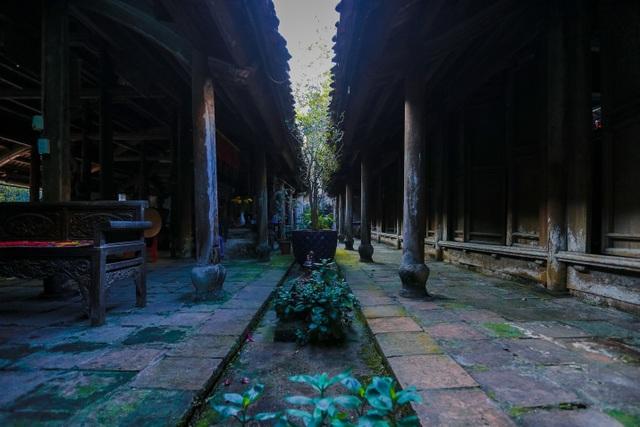 Độc nhất nhà cổ 300 tuổi làm từ gỗ lim, nằm giữa khu vườn xanh mát mắt ở Hà Nội - 12