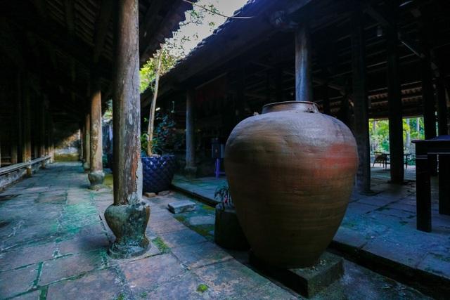 Độc nhất nhà cổ 300 tuổi làm từ gỗ lim, nằm giữa khu vườn xanh mát mắt ở Hà Nội - 13