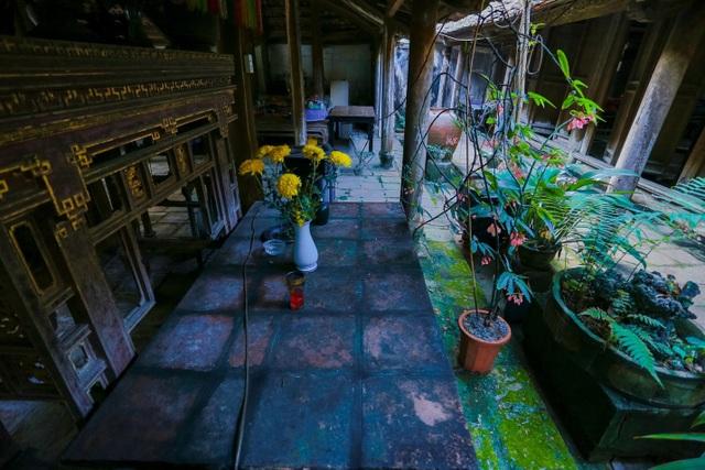 Độc nhất nhà cổ 300 tuổi làm từ gỗ lim, nằm giữa khu vườn xanh mát mắt ở Hà Nội - 14