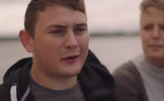 Nhóm thiếu niên sống sót sau vài giờ rơi xuống biển băng dẫn tới tim ngừng đập - 3