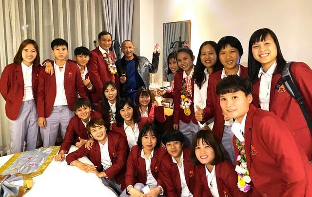 Đội tuyển nữ Việt Nam nhận bao nhiêu tiền thưởng sau tấm HCV SEA Games?