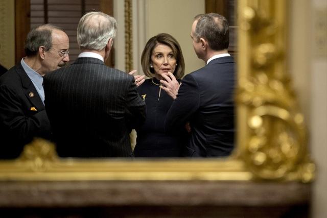 Ông Trump nổi cáu vì đảng Dân chủ muốn hoãn xét xử tổng thống ở Thượng viện - 2
