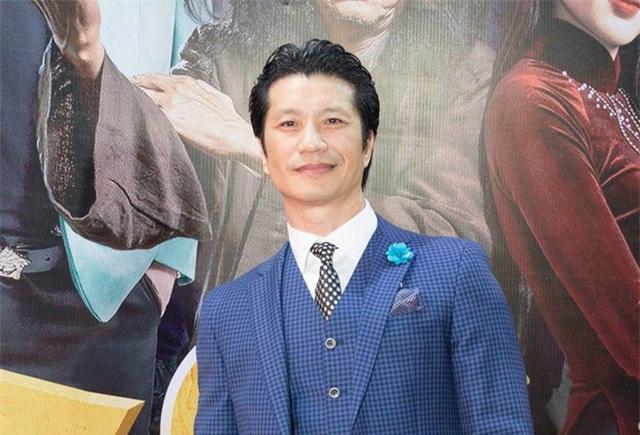 """Lùm xùm việc Dustin Nguyễn bất ngờ bị cắt vai trong phim """"Bóng đè ..."""