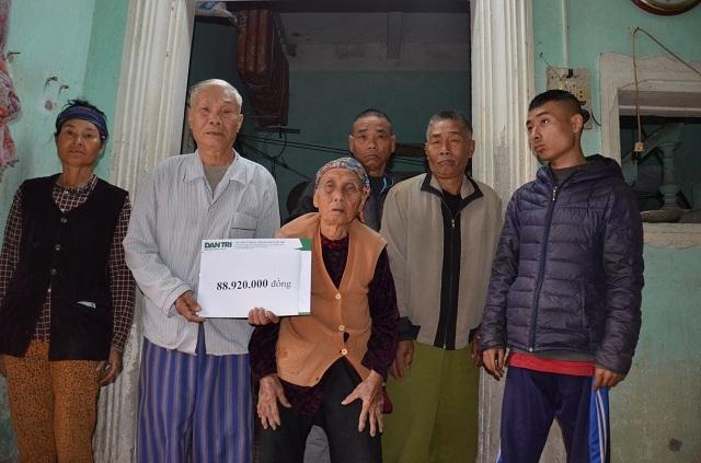 Hai cụ kề 90 tuổi nuôi con tâm thần được bạn đọc Dân trí giúp đỡ gần 90 triệu đồng - 4