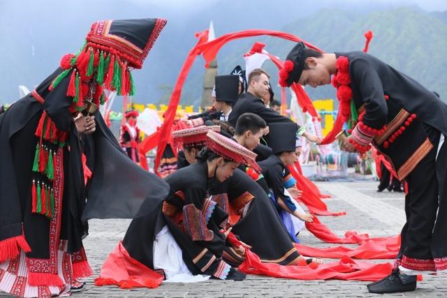Phát triển văn hóa bản địa và câu chuyện thành công của du lịch Sa Pa - 4