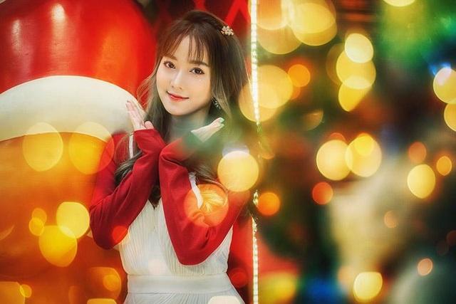 Cô gái có tên đẹp như người cuốn hút trong bộ ảnh đón Giáng sinh - 2