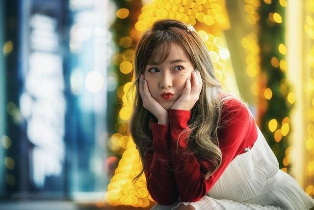 Cô gái có tên đẹp như người cuốn hút trong bộ ảnh đón Giáng sinh - 4