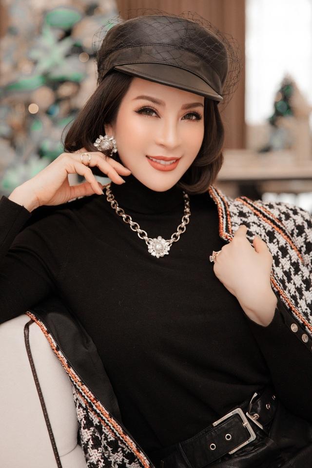 Biệt thự triệu đô của MC Thanh Mai trang hoàng lộng lẫy mùa Giáng sinh - 1