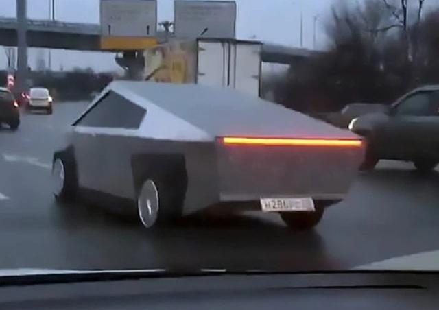 Tesla Cybertruck chưa đi vào sản xuất đã có hàng nhái - 1
