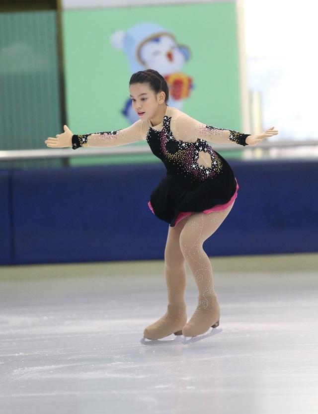 Gần 50 VĐV tranh tài giải trượt băng nghệ thuật Việt Nam 2019 - 12