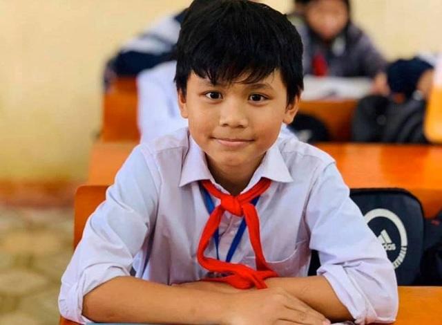 Học sinh lớp 6 trả lại hơn 18 triệu đồng cho người đánh rơi - 1