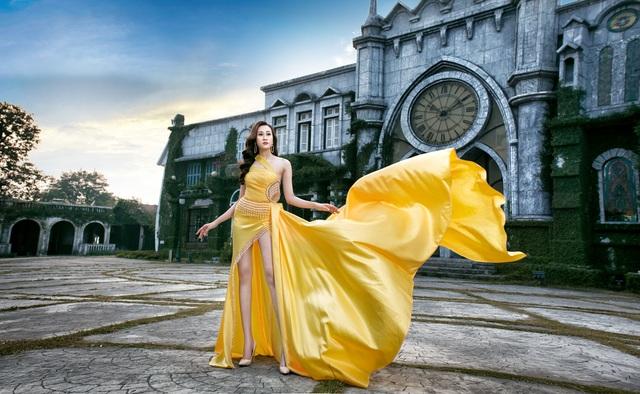 Anika Trinh Trinh hở bạo giữa trời đông Hà Nội - 3