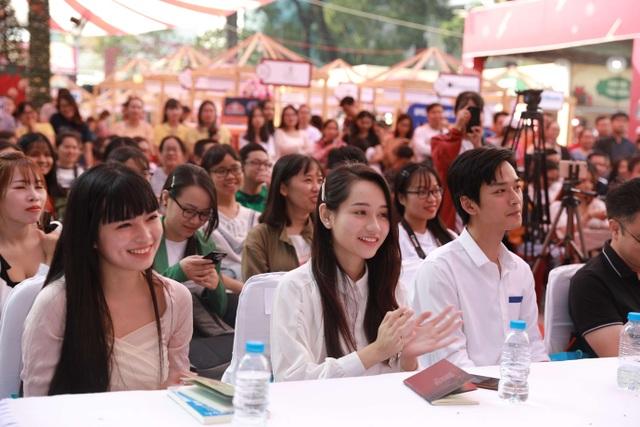 """Buổi diễu hành áo dài """"Mắt Biếc"""" của Gapo gây sốt tại các cung đường trung tâm Sài Gòn - 5"""