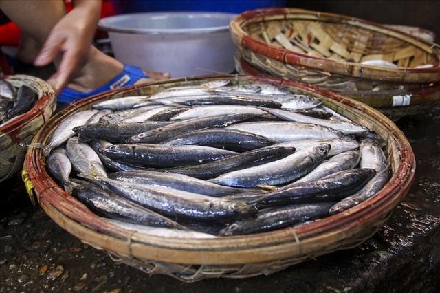 Độc đáo nghề hấp cá nuôi sống bao thế hệ - 2