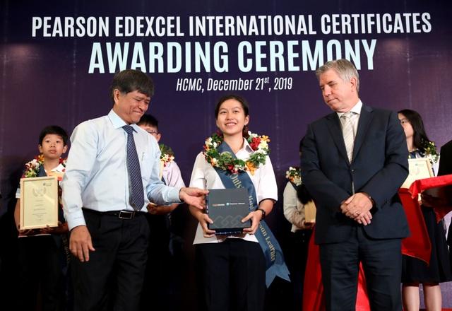 Học sinh Việt đạt điểm cao nhất toàn thế giới môn Toán THCS chứng chỉPearson Edexcel - 2