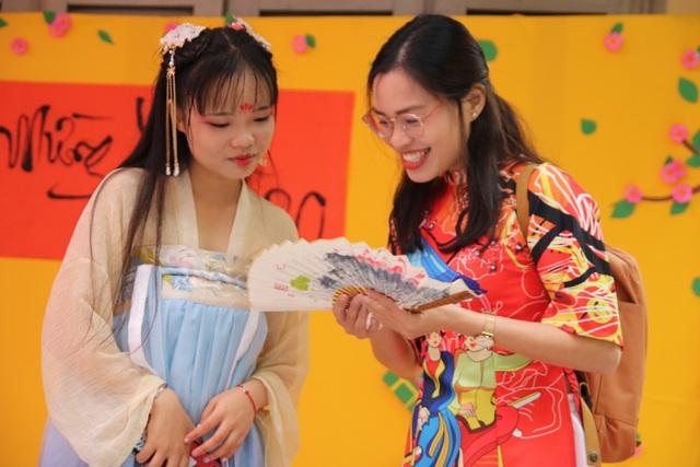Hơn 500 du học sinh và sinh viên Việt Nam khoe tài trong ngày hội văn hóa quốc tế 2019 - 7