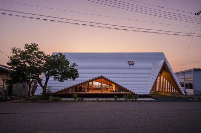 Thiết kế như túp lều, ngôi nhà nông thôn Nhật Bản vẫn gây sốt vì vẻ đẹp không ngờ - 2
