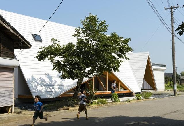 Thiết kế như túp lều, ngôi nhà nông thôn Nhật Bản vẫn gây sốt vì vẻ đẹp không ngờ - 7