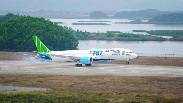 """Cận cảnh Boeing 787-9 Dreamliner """"Ha Long Bay""""- máy bay thân rộng đầu tiên của một hãng hàng không tư nhân Việt Nam - 10"""