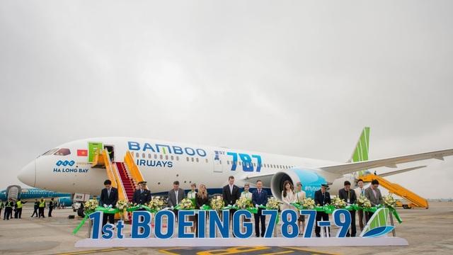 """Cận cảnh Boeing 787-9 Dreamliner """"Ha Long Bay""""- máy bay thân rộng đầu tiên của một hãng hàng không tư nhân Việt Nam - 3"""