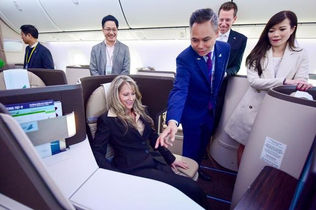 """Cận cảnh Boeing 787-9 Dreamliner """"Ha Long Bay""""- máy bay thân rộng đầu tiên của một hãng hàng không tư nhân Việt Nam - 7"""