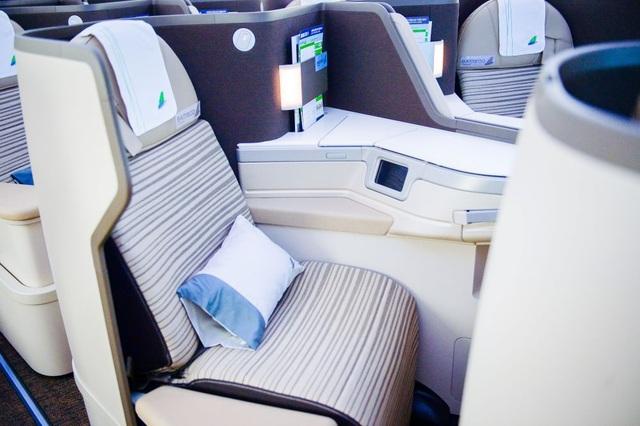 """Cận cảnh Boeing 787-9 Dreamliner """"Ha Long Bay""""- máy bay thân rộng đầu tiên của một hãng hàng không tư nhân Việt Nam - 8"""