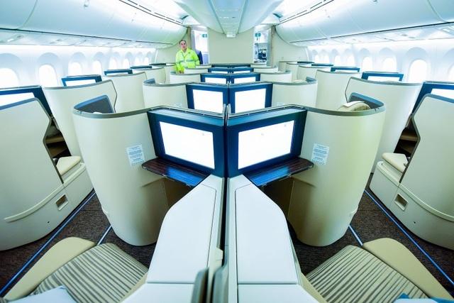 """Cận cảnh Boeing 787-9 Dreamliner """"Ha Long Bay""""- máy bay thân rộng đầu tiên của một hãng hàng không tư nhân Việt Nam - 9"""