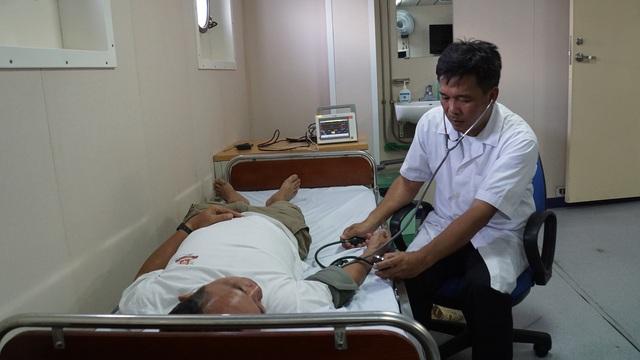 Tâm sự của thủy thủ con tàu đặc biệt - Bệnh viện trên biển - 9