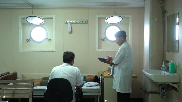 Tâm sự của thủy thủ con tàu đặc biệt - Bệnh viện trên biển - 8