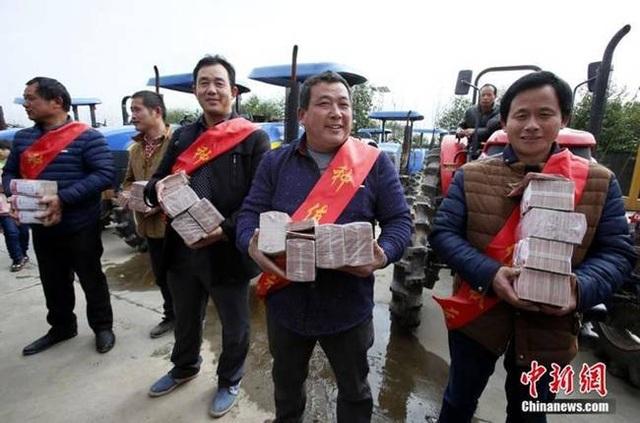 Cuối năm, dân làng xôn xao có thể được thưởng hơn 600 triệu/người - 10