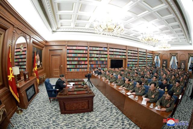 Ông Kim Jong-un chủ trì hội nghị quân sự giữa lúc căng thẳng với Mỹ - 4