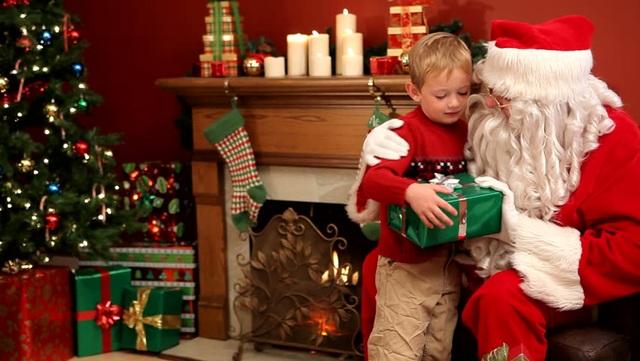 Khoa học chứng minh lấy ông già Noel ra... dọa thực sự khiến trẻ ngoan hơn - 2